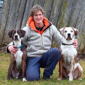 Anke Boysen with her Louisiana Catahoulas Aquim und Indigo